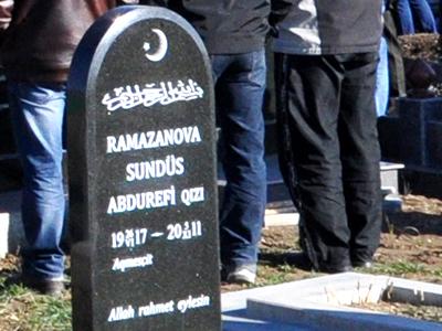 Lápida en un cementerio tártaro en Crimea (2014) | © Irene Savio