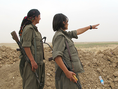 Guerrilleras del PKK en Kirkuk (Nov 2014) | ©  Karlos Zurutuza