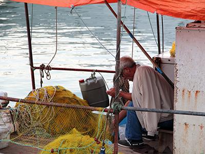 Pescador en Skopelos, Grecia (Ago 2012) | © Ilya U. Topper / M'Sur