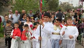 Procesión de Semana Santa en Karemlesh (Ninive), Abr 2017 | ©  Ethel Bonet