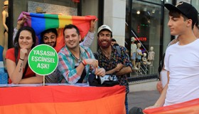 Refugiados iraníes LGBTI se manifiestan en Estambul (Mayo 2017) © Lara Villalón