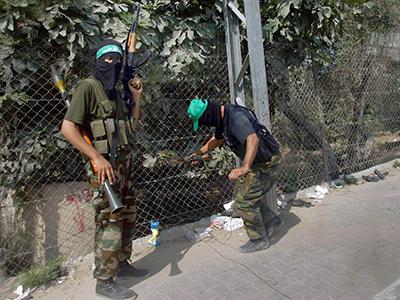 Militantes de Hamas en Gaza (2006) | © Laura León