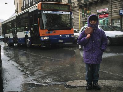 Una joven mendiga en Sicilia |  ©  Darío Menor