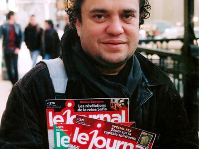 Ali Amar, con su revista (Madrid, 2010) | ©  Ilya U. Topper /M'Sur
