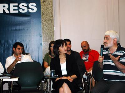 Rueda de prensa de los periodistas del Mavi Marmara (Estambul, 2010)    © Ilya U. Topper / M'Sur