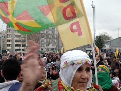 Mujer kurda en una protesta en Estambul (2011) © Ilya U. Topper