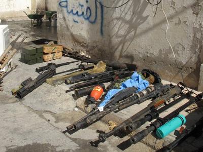 Arsenal rebelde en Bengasi, Libia (Feb 2011) |   ©  Daniel Iriarte