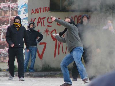 Jóvenes se enfrentan a la policía en Komotini (Grecia) | Joanna / Creative Commons 2.0