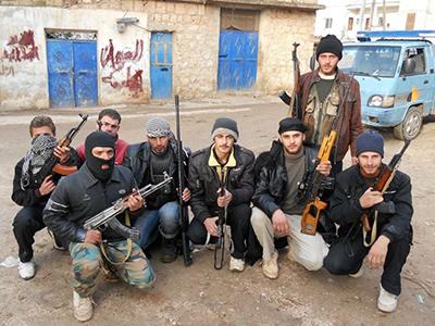 Guerrilleros sirios rebeldes en la zona de Idlib (Diciembre 2011) | © Daniel Iriarte