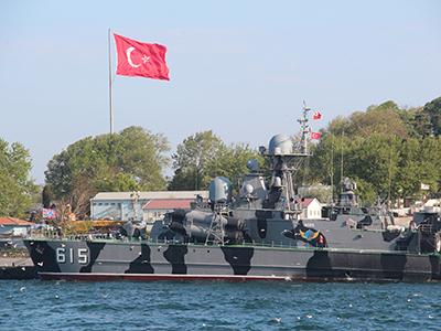 Buque de guerra turco en Estambul (2013) | © Ilya U. Topper / M'Sur