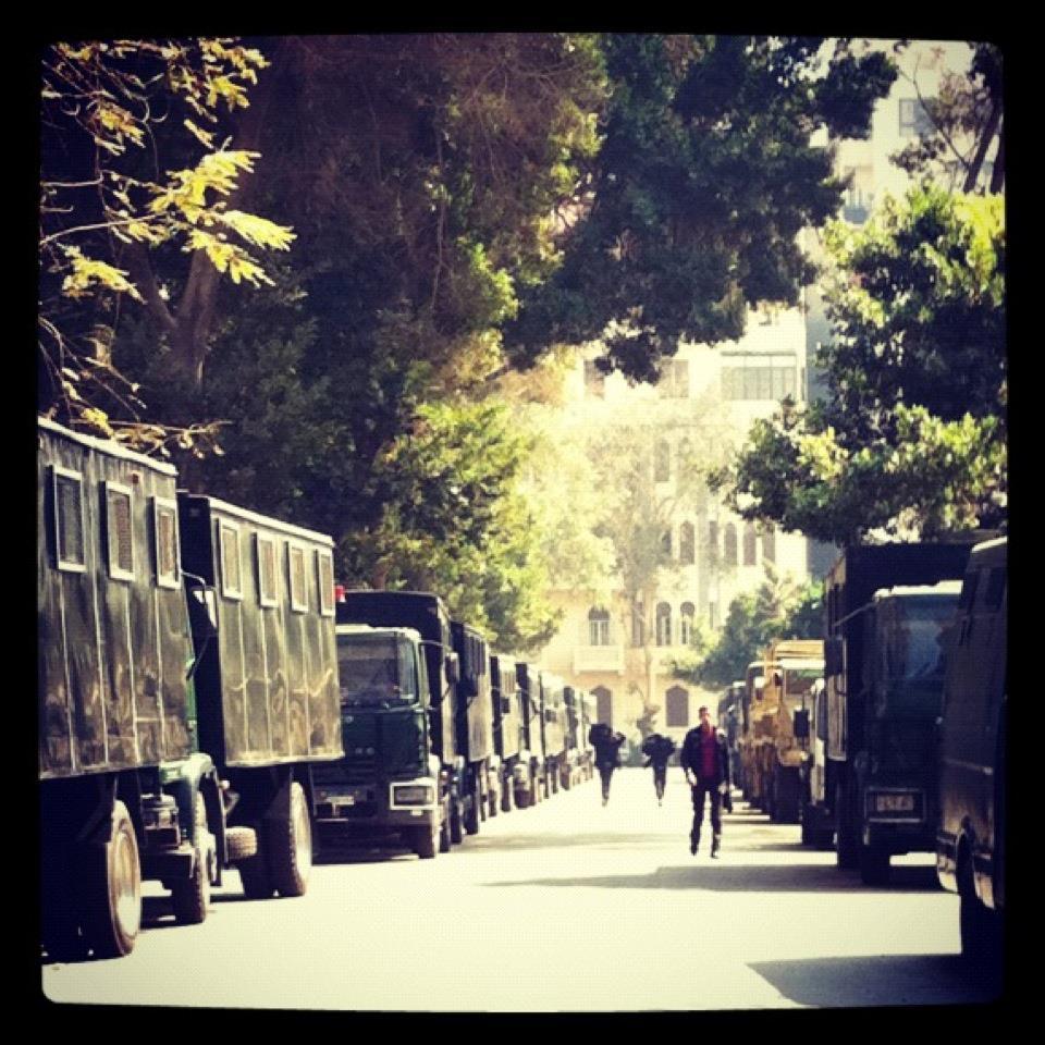 Camiones de policía en El Cairo © MASG