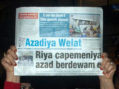 El diario kurdo Azadiye Welat, en una manifestación en Estambul (2011) |  © I. U. T /M'Sur