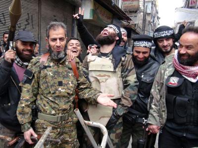 Guerrilleros de Yabhat al Nusra en Alepo. Ene 2013 |  © Lluís Miquel Hurtado/M'Sur