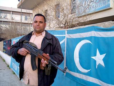 Miliciano turcomano en Kirkuk (Iraq), Marzo 2013 | © Karlos Zurutuza