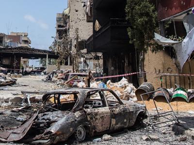 Calle de Sidón tras la batalla entre militares y salafistas. Junio 2013 |   ©  Sebastián Castañeda