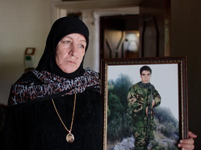 Umm Mahdi, madre de un combatiente de Hizbulá muerto en Siria | © Ethel Bonet