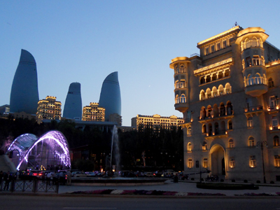 Anochecer en Bakú (Mayo 2012) |  © Daniel Iriarte