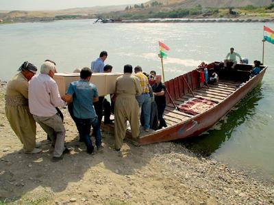 Río Habur, frontera entre el Kurdistán iraquí y sirio (Octubre 2013) |  © Karlos Zurutuza