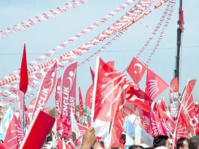 Mitin del  partido socialista turco CHP (Estambul, 2011) | ©  I. U. Topper