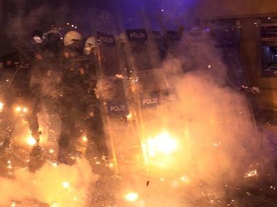 Disturbios durante la manifestación contra la censura en internet (Estambul, febrero de 2014) | © Ulaş Tosun