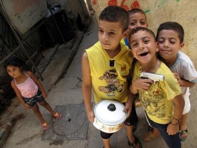 Niños palestinos en un campo de refugiados de Beirut | © Daniel Iriarte / MSur