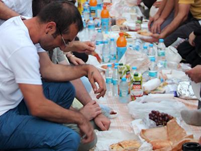 'Iftar' de protesta en Estambul, 2013 | © I.U.T. / M'Sur
