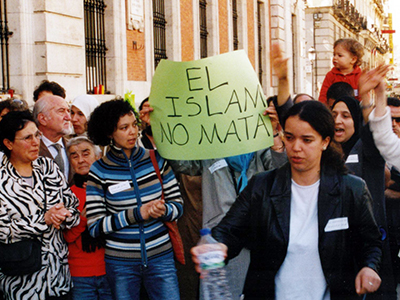 Manifestación musulmana en Madrid tras el 11-M (2004) |  © I.U.T. / M'Sur