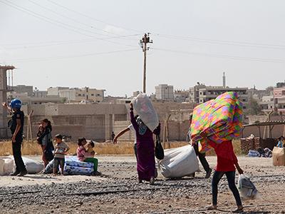 Refugiado kurdos de Kobani vuelven de Turquía a sus casas (Sep 2014) | © Ilya U. Topper