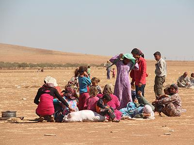 Refugiados kurdos de Kobani poco después de llegar a Turquía (Sep 2014) | © Ilya U. Topper