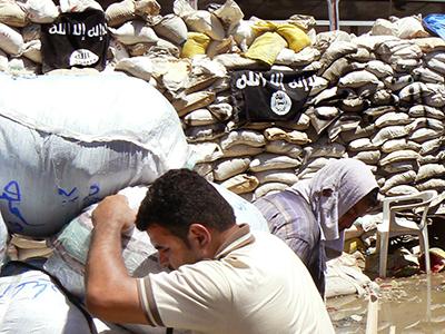 Banderas del ISIL en Alepo (Julio 2013) | ©  Ethel Bonet