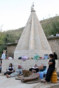 Lalish, lugar sagrado yezidí (2008) | © K. Zurutuza