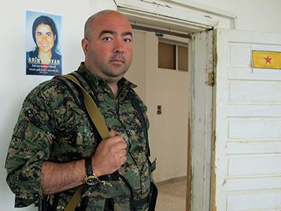 Brian Wilson, combatiente en las YPG (Serekaniye, Kurdistán sirio, Oct 2014)  | ©  Karlos Zurutuza