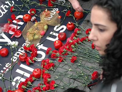 Conmemoración del genocidio en Taksim, Estambul (24 Abr 2011) | ©  Ilya U. Topper / M'Sur