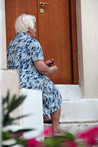 Una anciana en la isla de Skopelos (Grecia) 2012 |  © Ilya U. Topper / M'Sur