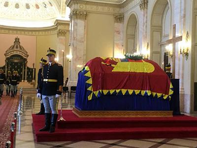 Féretro de la reina Ana de Rumanía en Bucarest (Agosto 2016) | © Nuria Tesón